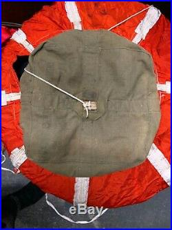 U. S. Gov Army Air Force Spec. No. 40470 1943 Parachute Type B-8. WW2 VINTAGE