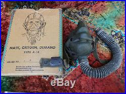 WWII US ARMY AIR FORCES PILOTS FLIGHT OXYGEN MASK TYPE A-14 with BOX