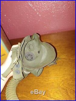 WWII / WW2 U. S. Army Air Force, TYPE A-14 Oxygen Mask, Size Medium